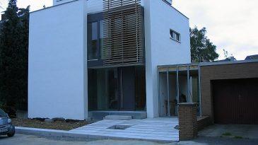 Die Fassaden von Holzbauten lassen sich beliebig verkleiden und die dahinter steckende Bauweise nicht mehr erkennen.