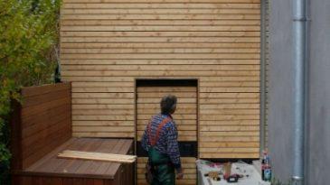 Terrasse, Schuppen und Aufbewahrungsbox - unterschiedliche Hölzer laden zur farblichen Gestaltung ein.